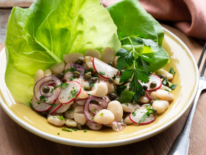 Butter Beans in Buttery Lettuce with Flax Oil Vinaigrette